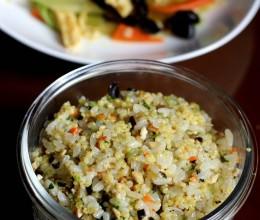 豆干香茹时蔬拌饭