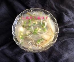 豆芽海带银鱼汤
