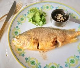 香煎椒盐黄鱼,附简易糖醋汁做法【山姆厨房】