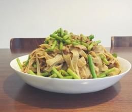 蒜苗肉沫豆腐丝