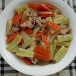 胡萝卜肉片炒笋片
