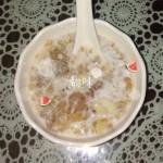 桃胶皂角米牛奶羹