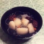 桃胶皂角米炖雪燕