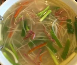 金华火腿豆芽汤