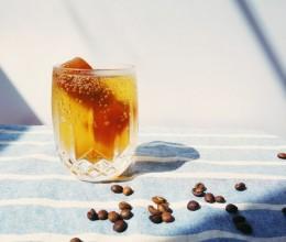 苏打冰咖啡