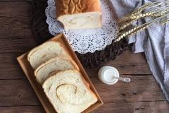 面包机版肉松吐司面包