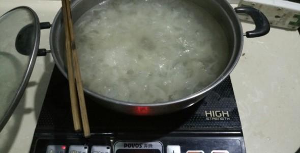 「小鍋子裡煮銀耳」的圖片搜尋結果