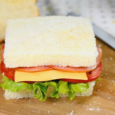 西式營養早餐三明治的做法