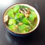 丝瓜怎么做好吃--鱼头丝瓜汤