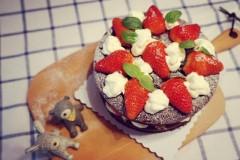 【可可草莓蛋糕】