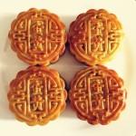 白莲蓉蛋黄月饼