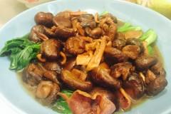 魷魚燜冬菇