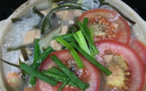 三鲜砂锅米线的做法 三鲜砂锅米线的家常做法 三鲜砂锅米线怎么做
