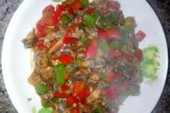 青红椒炒平菇