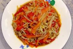 清炒绿豆芽红柿子椒