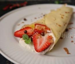 草莓奥利奥咸奶油可丽饼