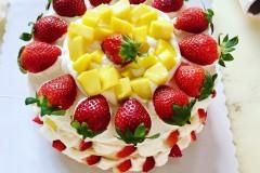 百香果草莓芒果裸蛋糕