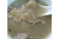 清热祛湿蒲公英煲乳鸽绿豆汤
