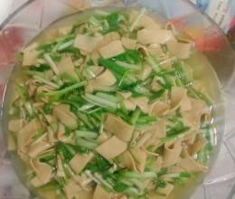 东北名菜(蒜苗干豆腐)