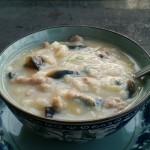 皮蛋瘦肉疙瘩汤