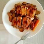 烤鸡腿配土豆蘑菇