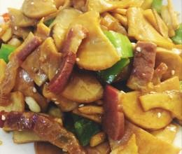 青椒杏鲍菇炒腊肉
