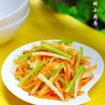 三丝炒藕--清脆爽口健康搭配