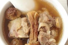 姬松茸排骨汤