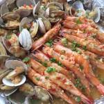 蒜蓉金针菇烤虾和花蛤