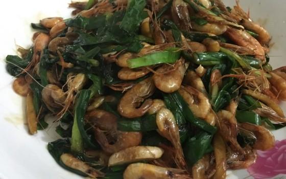 韭菜炒河虾