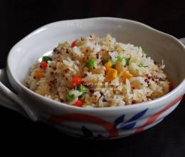干贝杂蔬炒饭