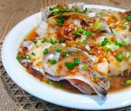 酱蒸大鱼头&芫荽菜豆腐滾鱼汤(大鱼头二吃法)