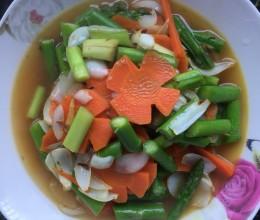 鲜百合炒芦笋