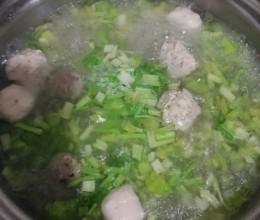 丸子芹菜汤